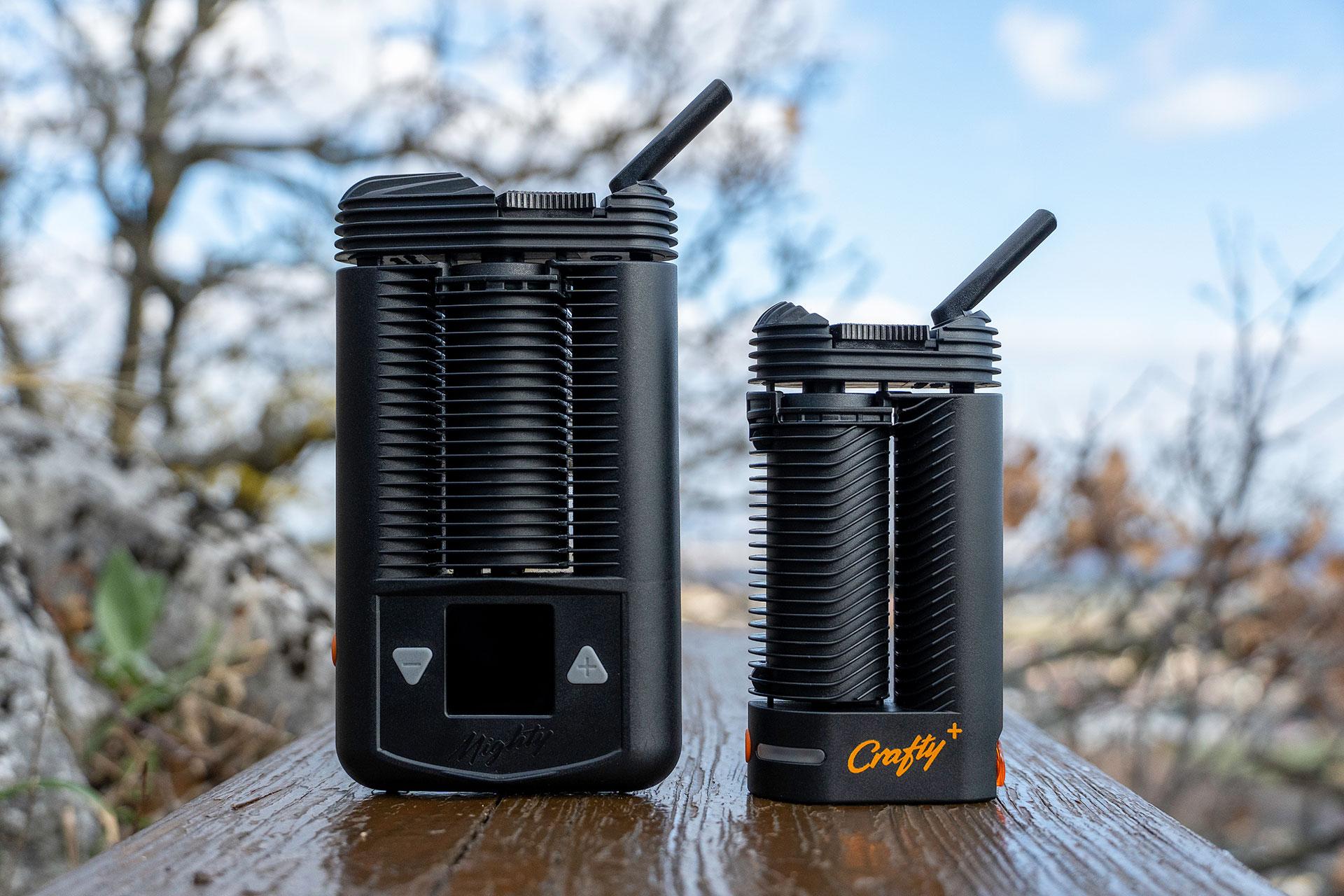 Im Vergleich zum Mighty ist der Crafty+ um ein Drittel kleiner, bietet dieselbe Dampfleistung, jedoch eine geringe Akkulaufzeit.