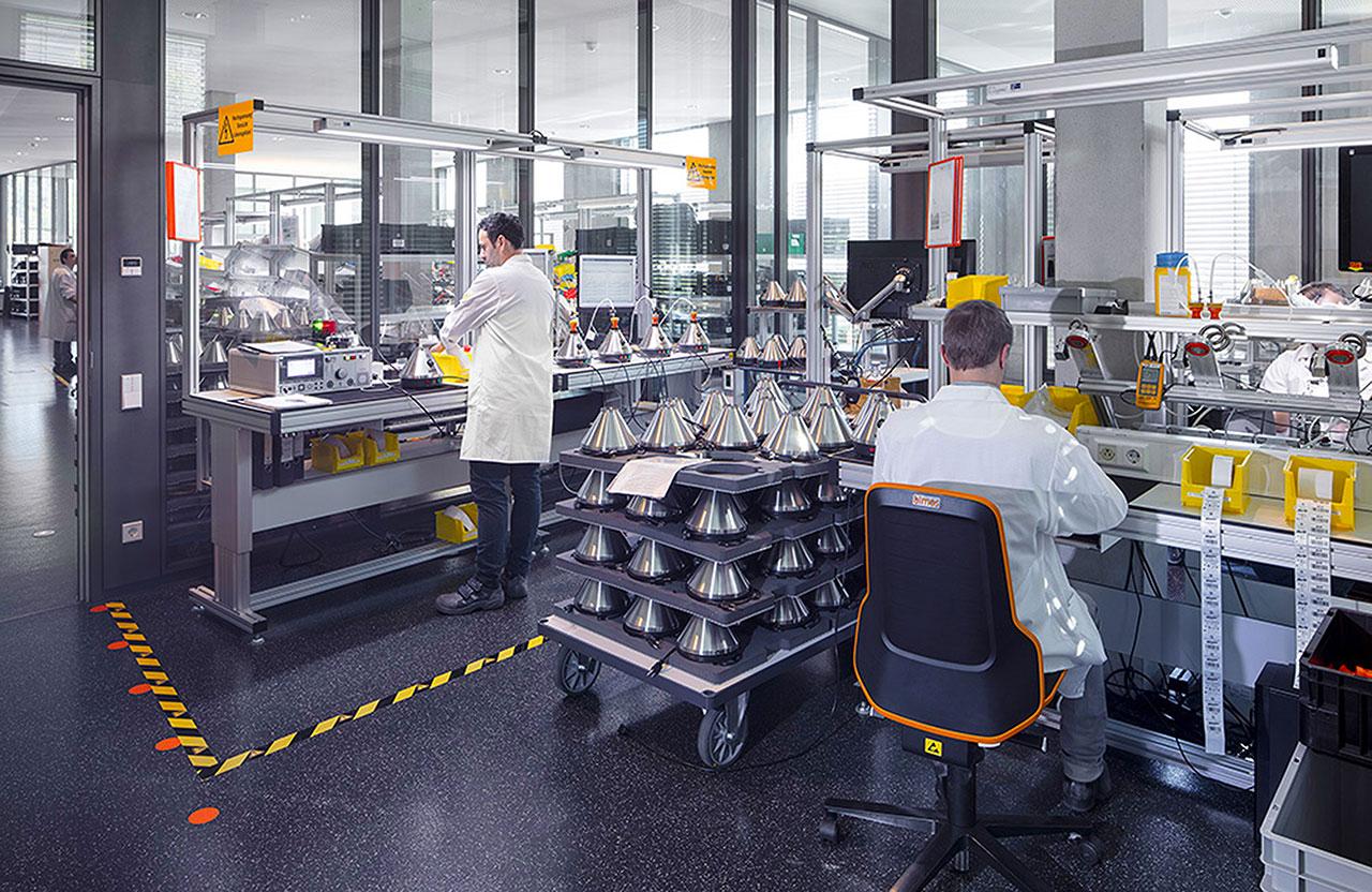 Qualitätskontrollen nimmt man bei Storz & Bickel besonders genau. Jedes Gerät und sogar jeder zehnte Volcano-Ventilballon wird vor der Auslieferung auf seine Funktion überprüft.